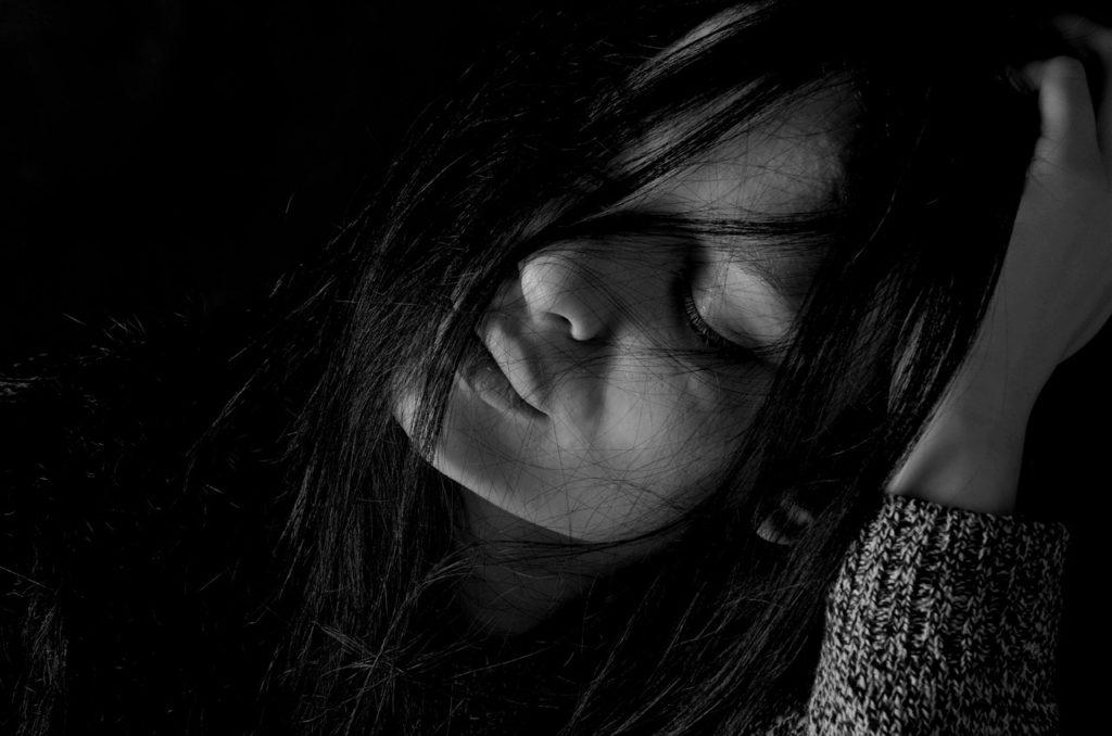 chica deprimida