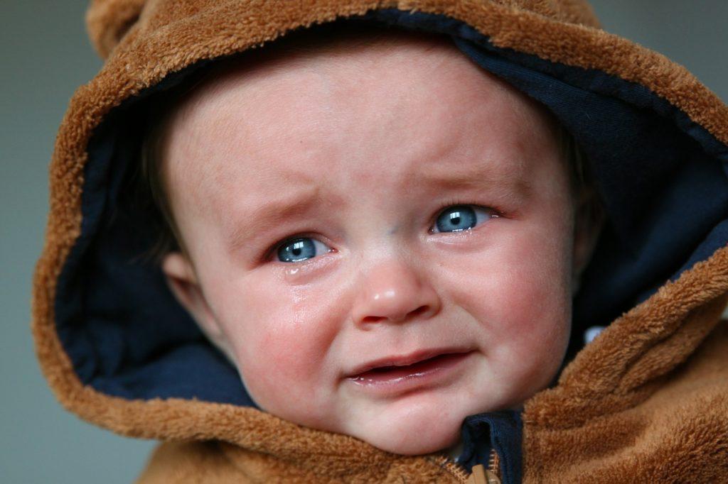 imagen de tristeza llorando un bebe